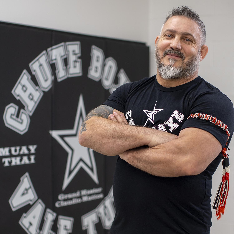 Fitness boxing instructor at Chute Boxe, Professor Claudio Mattoss